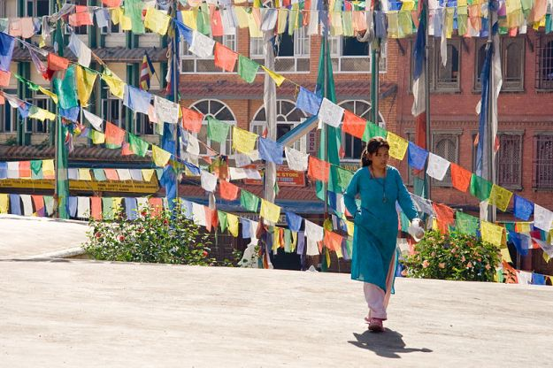 Prayer flags    earthquake Kathmandu. Photo by Luca Galuzzi. www.galuzzi.it