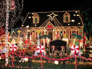 outdoor-christmas-lights-11