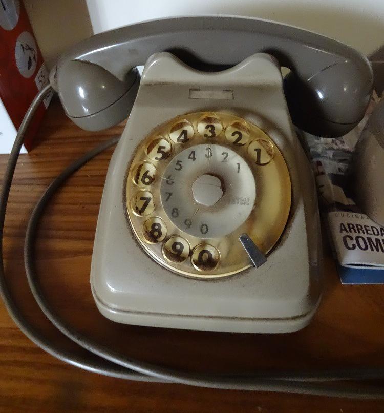 giseldas-phone.jpg
