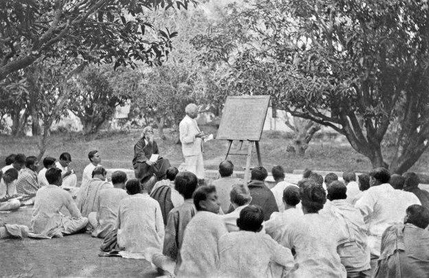 Rabindranath-Tagore-classroom-West-Bengal-Shantiniketan